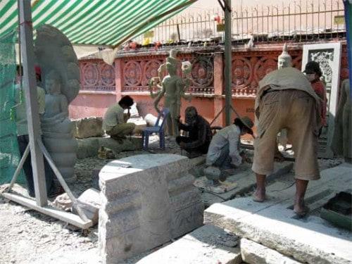 Stone carvers In Phnom Penh