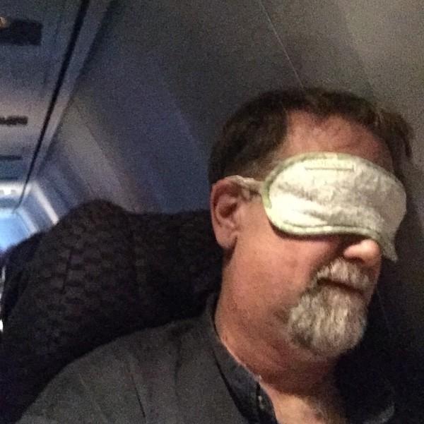 uçakta uyumak nasıl
