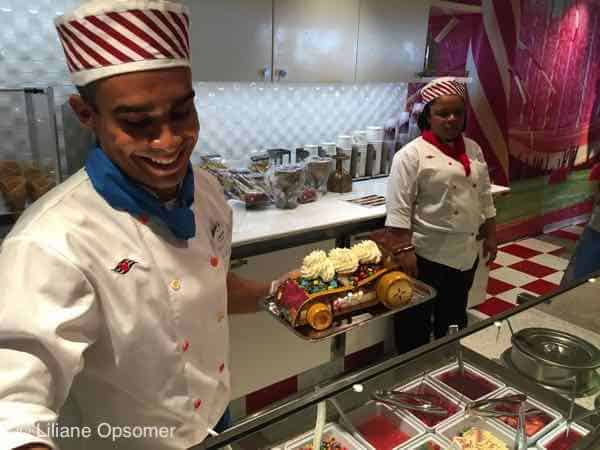 Vanelloppe Sweets The Disney Dream - Fabulous Food, Fun Times, and Great Comfort