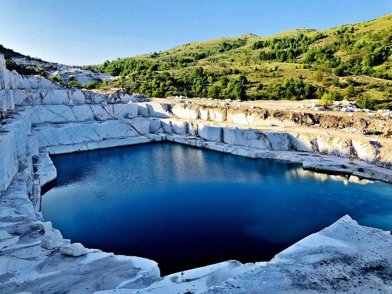 Мраморное озеро Македония