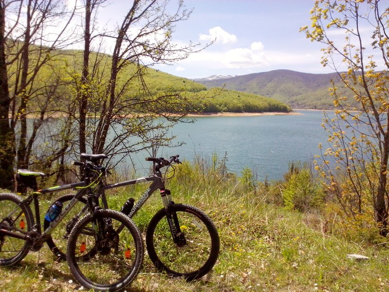 bike around Mavrovo Lake
