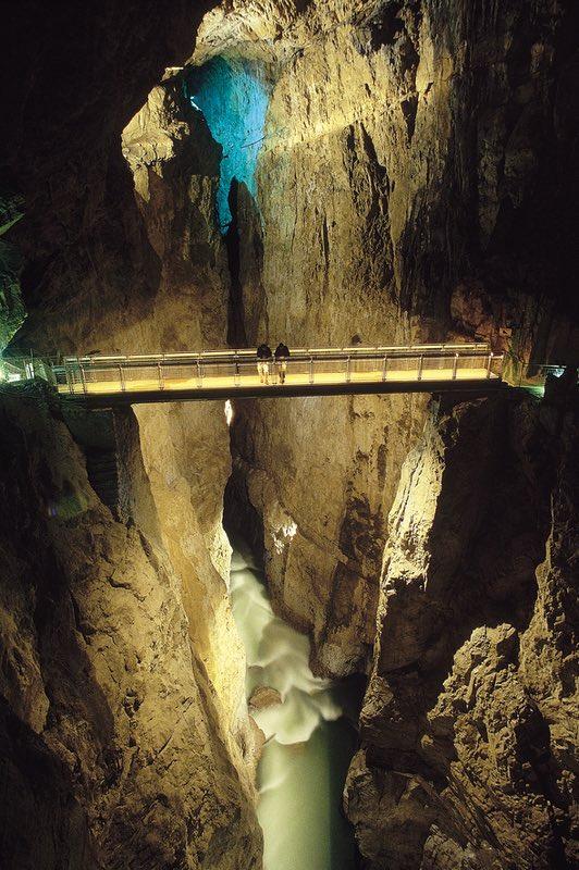 Škocjan Slovenya mağaraları