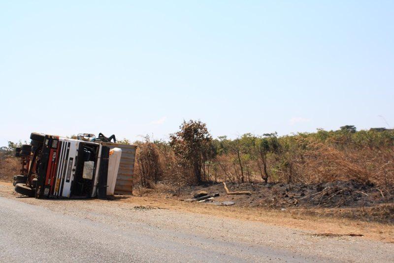 devrilmiş kamyon Zambiya
