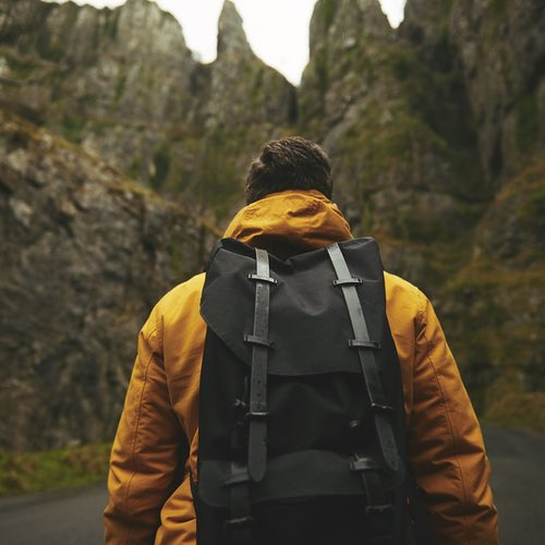 The Complete Hiking Packing List: 20 Must-Have Things for Comfortable Hiking Trip