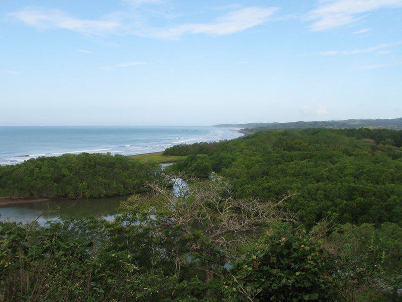 Playa Nosara ve nehir