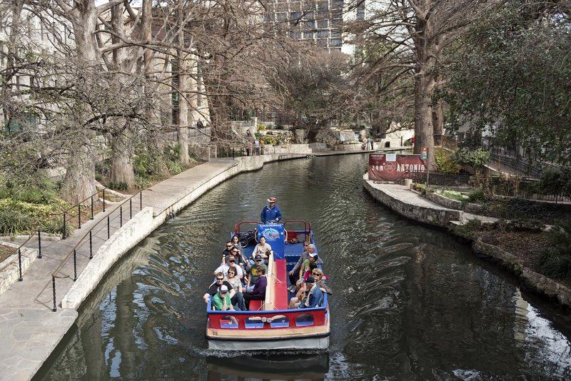 San Antonio Nehri Yürüyüşü