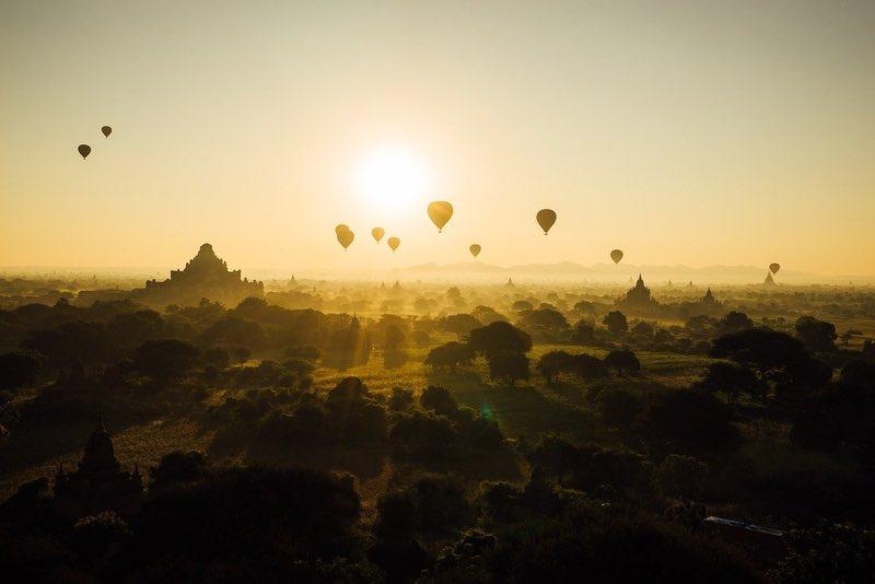 Sıcak Hava Balonu Bagan'da