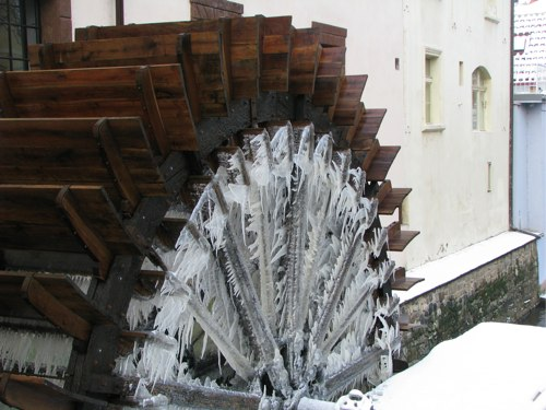 prague-waterwheel2